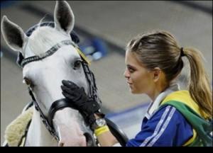 Как правильно подходить к лошади