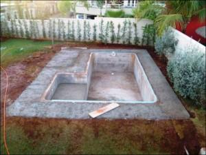 Строительство бассейна на даче своими руками