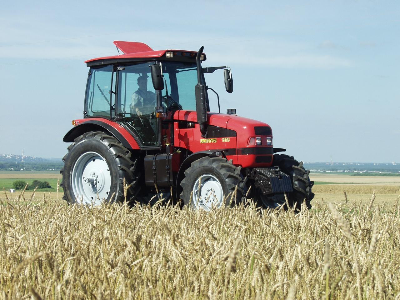 Трактор МТЗ-1523. Беларус
