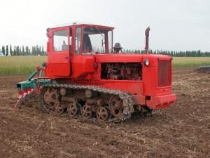 На поле ДТ-75