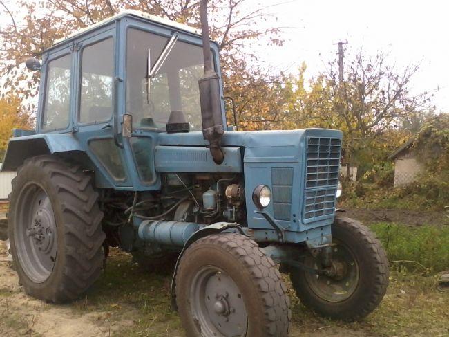 Трактор МТЗ-100 фото