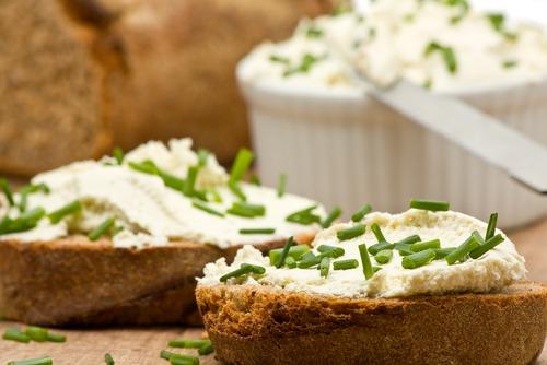 Вкусный и простой бутерброд «С творогом»
