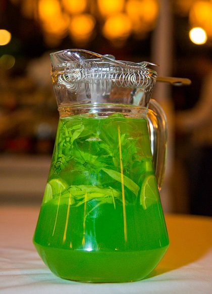 Мятный напиток из тархуна на Новый год 2018.