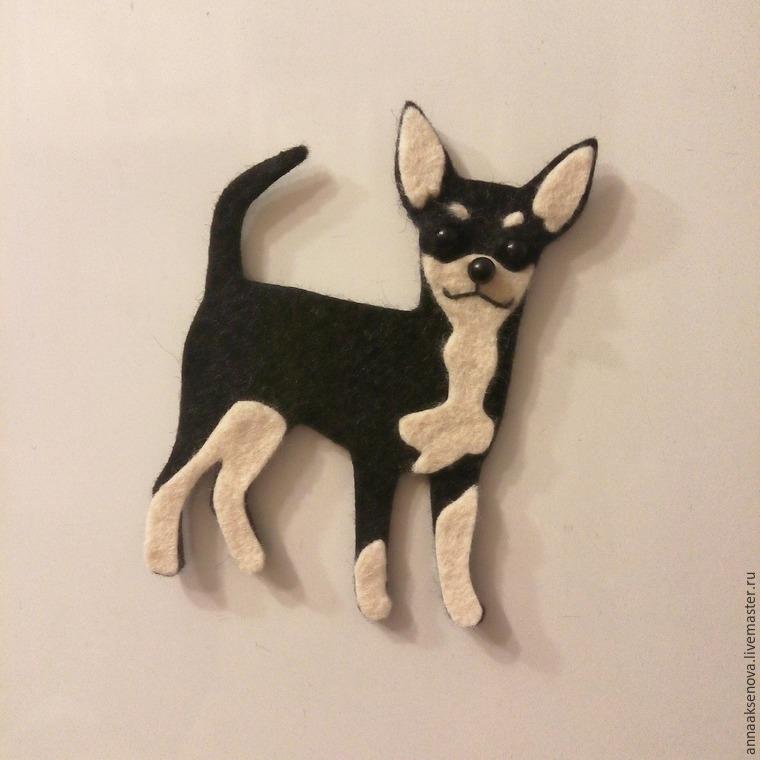 Собака – символ 2018 года, магнит из фетра.