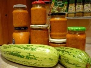 Кабачковая икра с баклажанами и другими овощами.