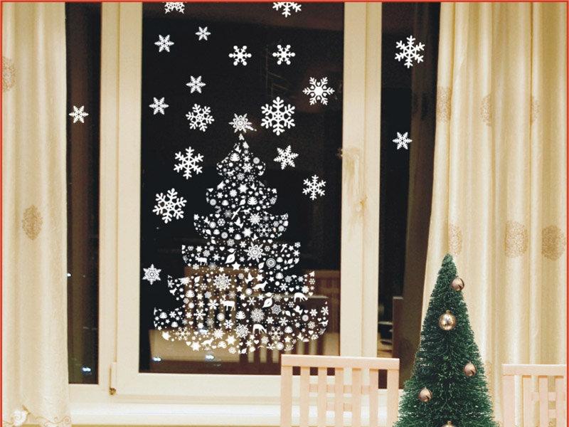 Как украсить окна на Новый год 2018?