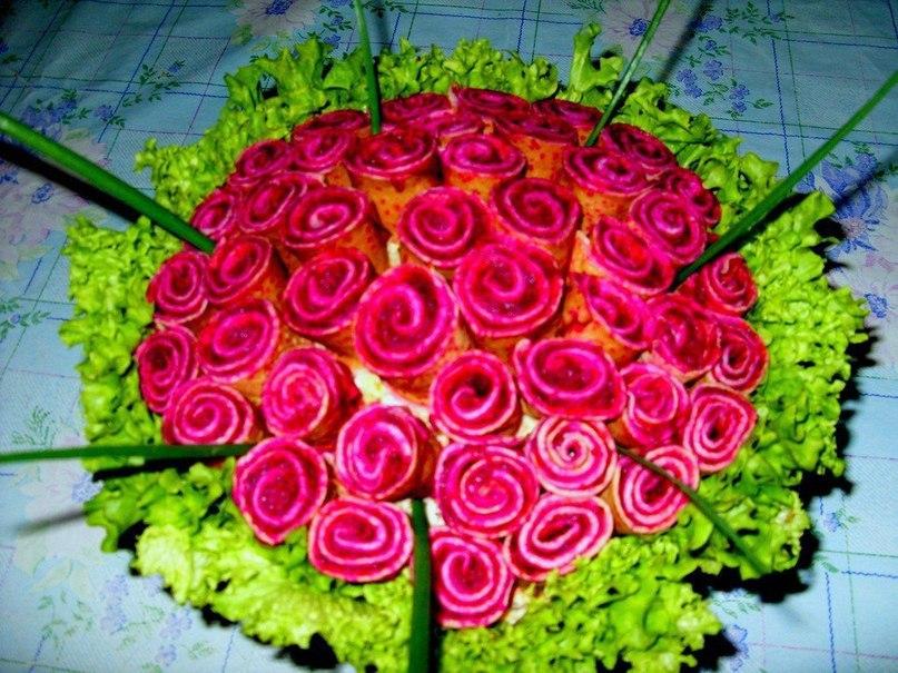 Новогодний салат «Розы для любимого».