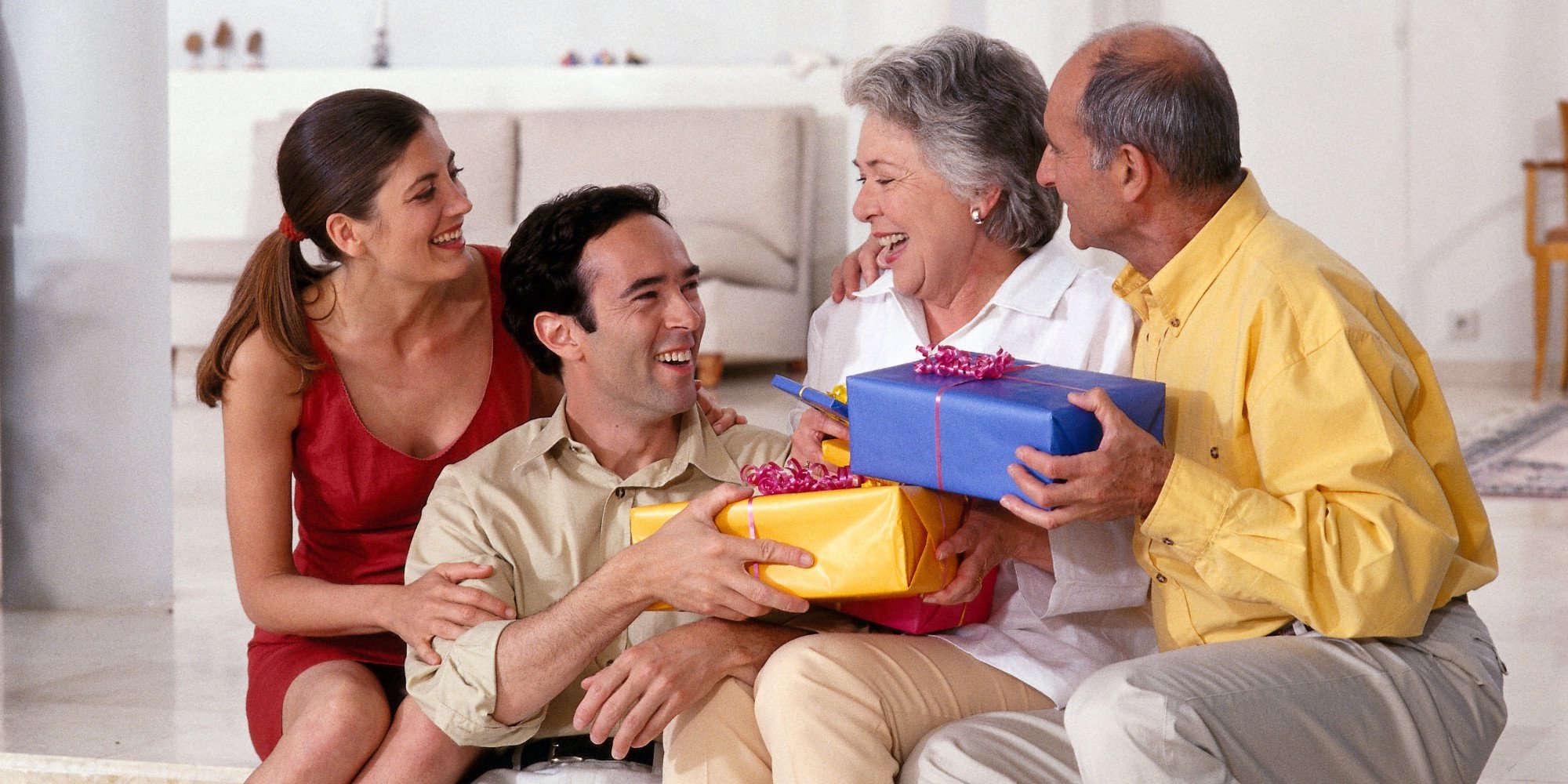 Что дарить на Новый год родителям в год Кабана 2019?