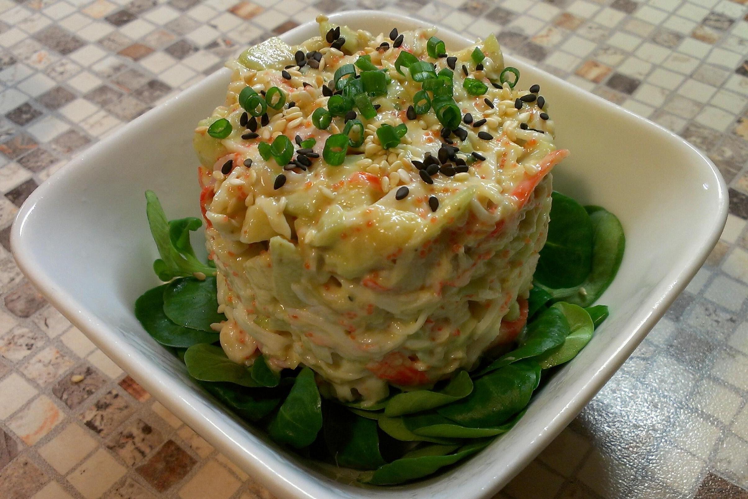 Крабовый салат с мясом тунца