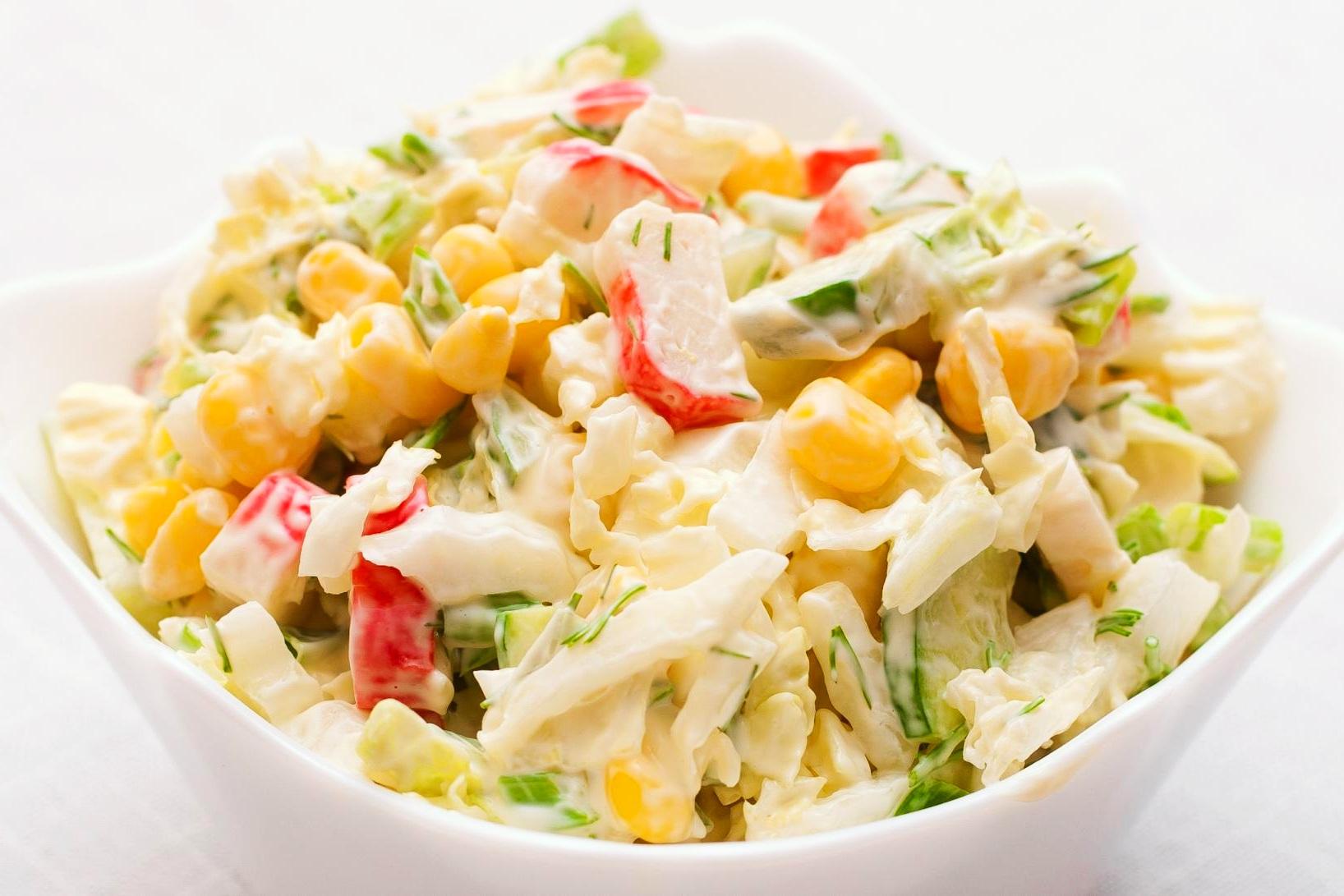 Классический рецепт салата из крабовых палочек