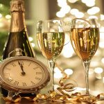 Тосты на Новый год 2021: короткие, смешные, прикольные