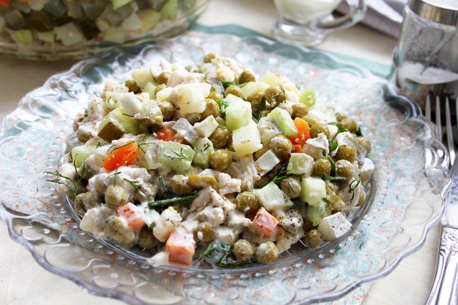 Рецепты салатов на Новый год Крысы 2020, которые сметут со стола первыми