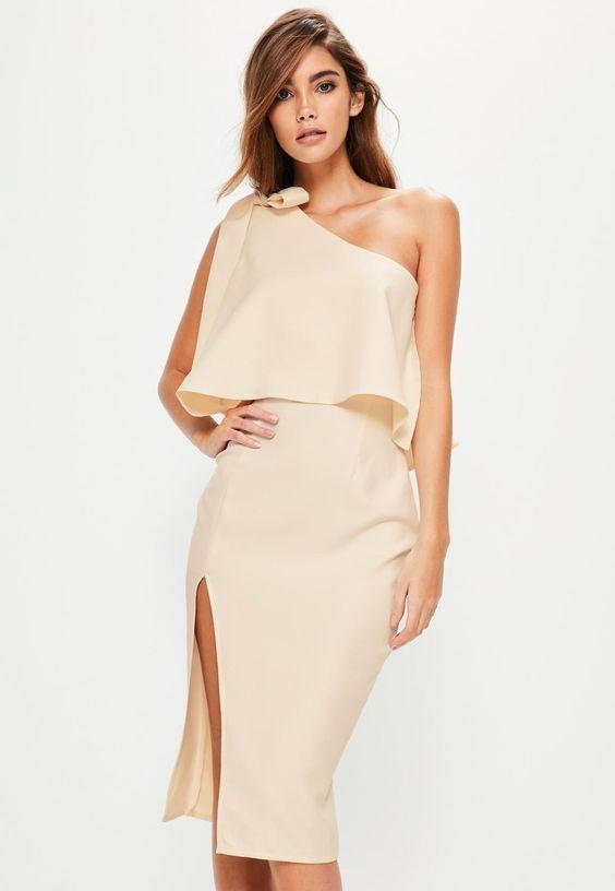 Что одеть женщине на Новый год 2021