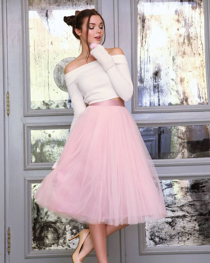 Новогоднее платье в светлых тонах