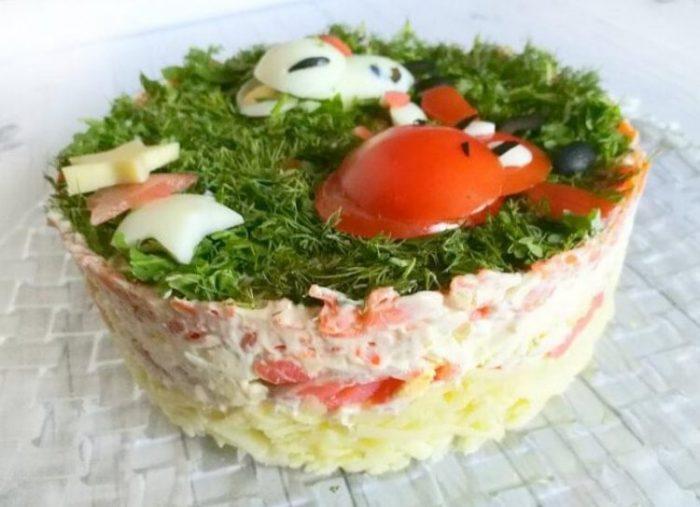 Вкусный рецепт салата в виде Быка с красной рыбой на Новый год 2021