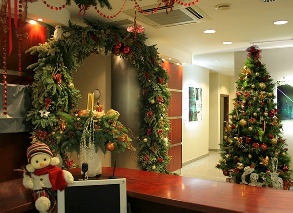 Как украсить рабочий кабинет к Новому году