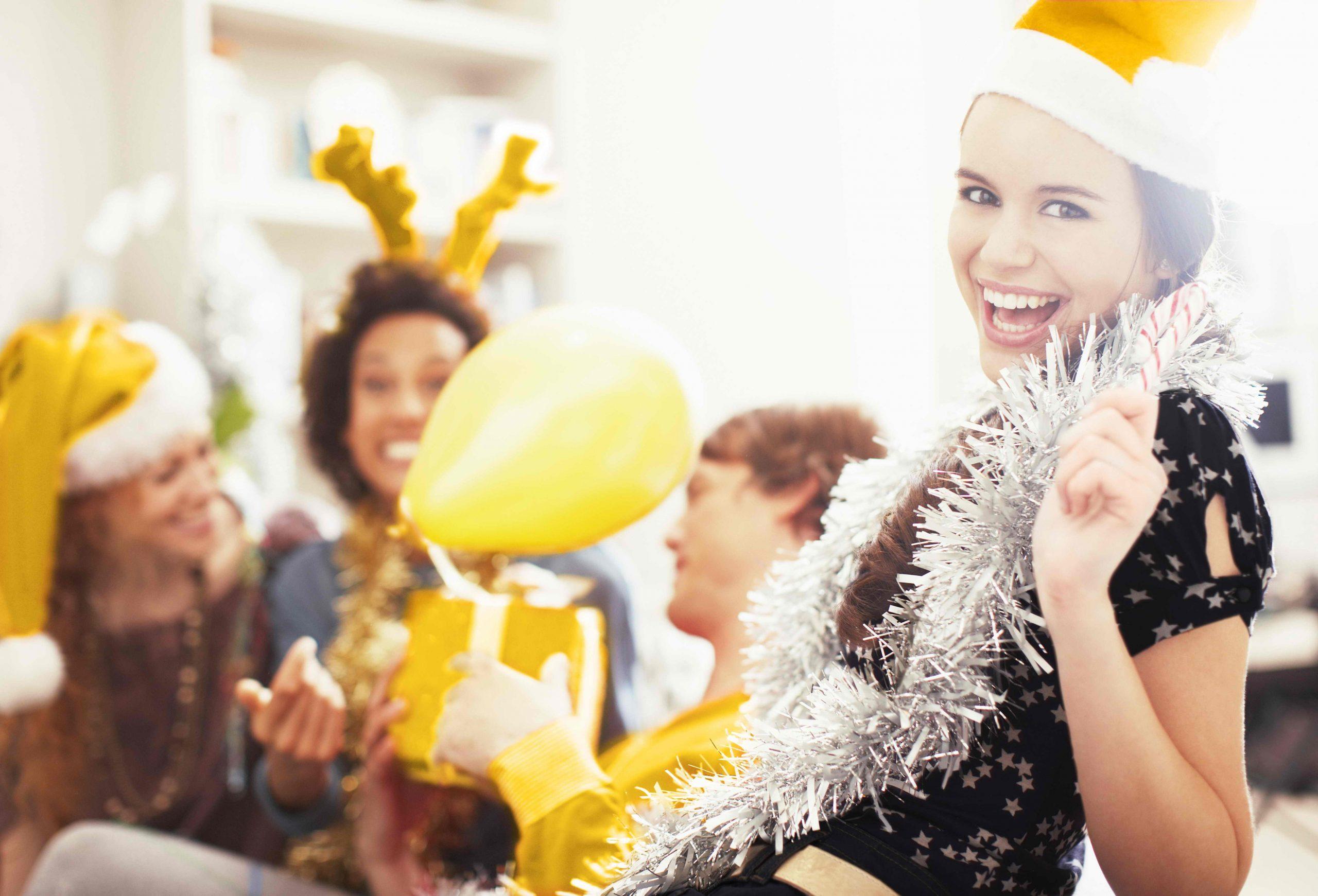 Сценарий новогодней сказки «Спасем Новый год!»