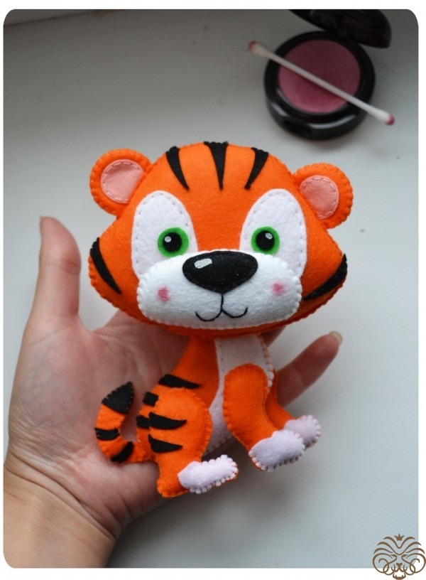 Мягкая игрушка из фетра – тигр